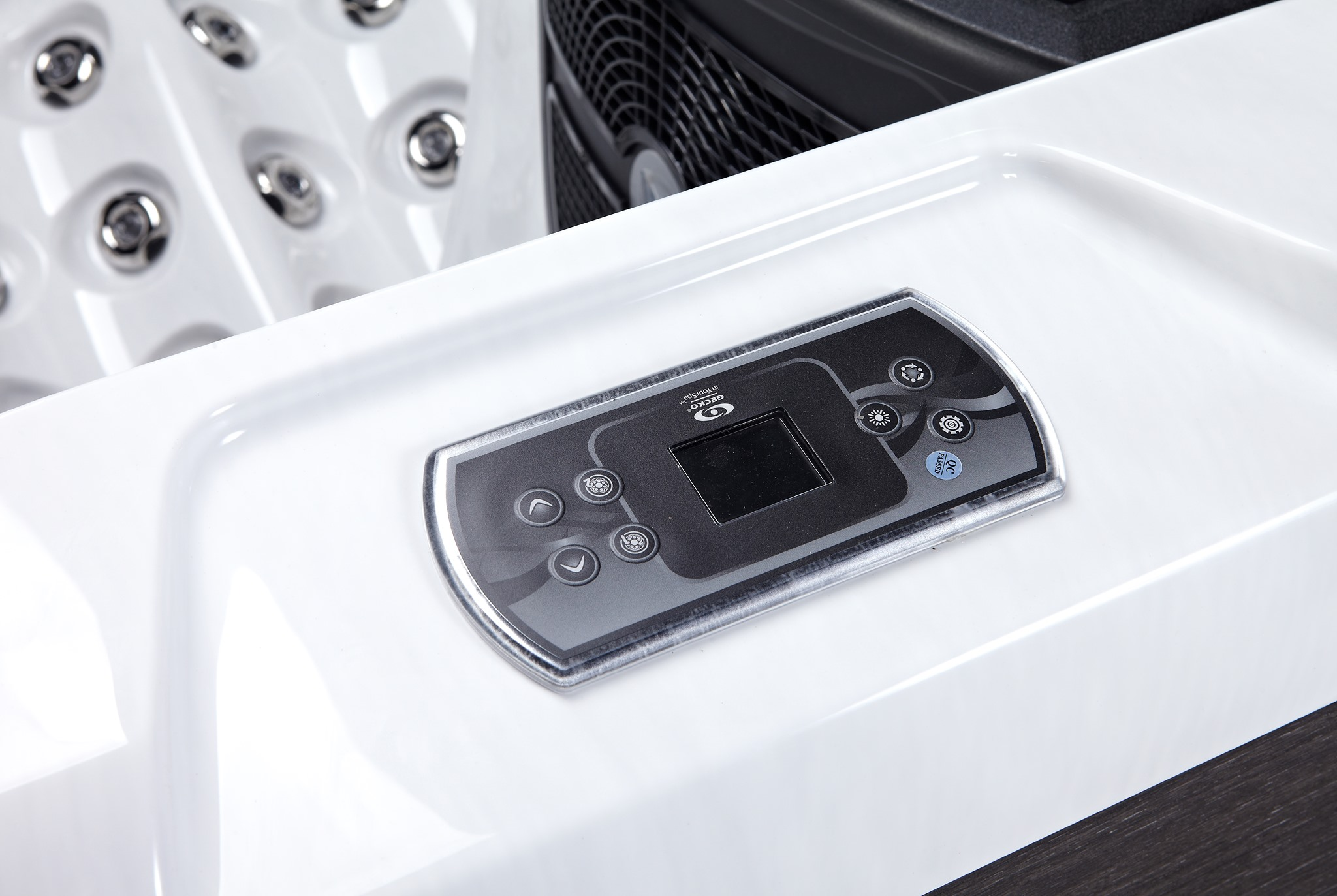 Quality, comfort and power  The Favells Emperor range Augustus spa includes 61 jets, water features, LED lights and lighted jets.   Using 2 x 3 HP pumps the jet pressure is very powerful and therefore the hydrotherapy is exceptional  » Spas, Swim Spas & Accessories Fuengirola, Costa Del Sol, Spain