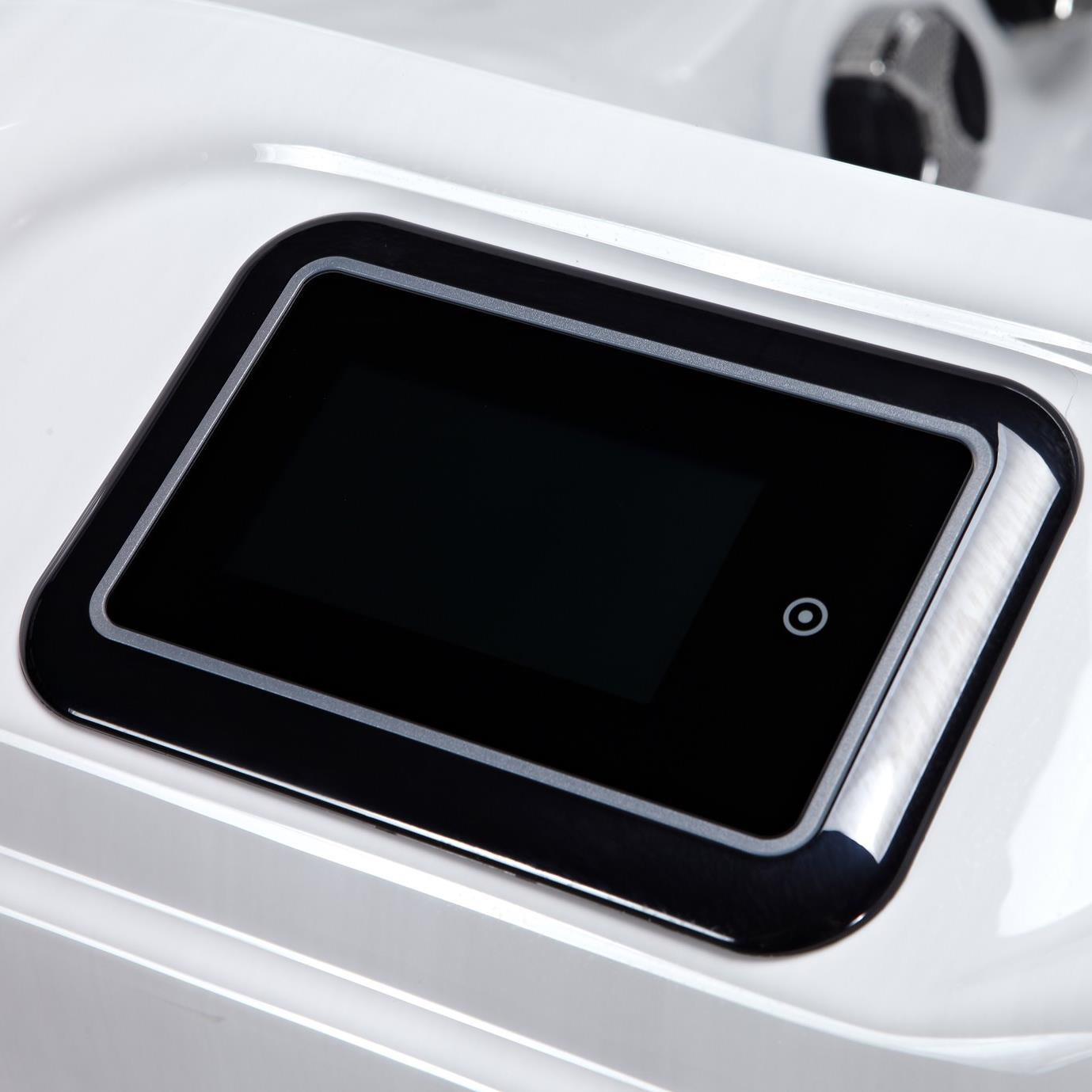 Luxury, style and comfort for 5 people   Favells Emperor range Lucius spa has 73 powerful jets, water features and LED lights.   Using 3 x 2 HP pumps the jet pressure is very strong and therefore the hydrotherapy is exceptional.  » Spas, Swim Spas & Accessories Fuengirola, Costa Del Sol, Spain